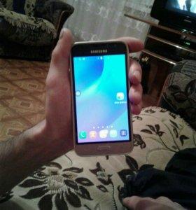 Смартфон SAMSUNG GALAXY J1 2016( не мини)