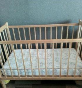 Кроватка светлая