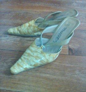 Обувь женская бу