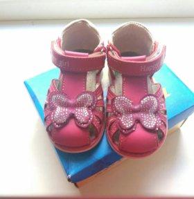 Обувь для девочки на годик