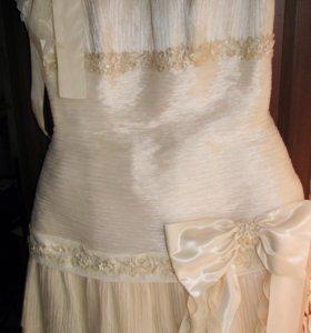 Платье 48 р-р,свадебное/вечернее/на выпускной
