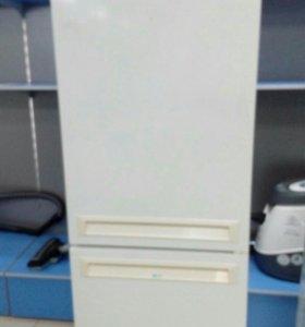 """Холодильник """"Stinol 101L"""""""