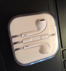 Наушники от iPhone 5s в плёнке
