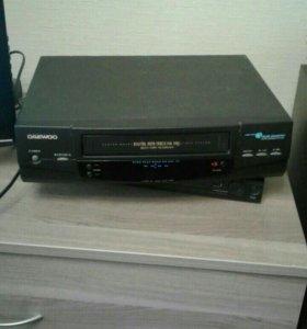 Видеомагнитофон Daewoo