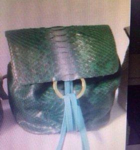 Рюкзак из кожи питона