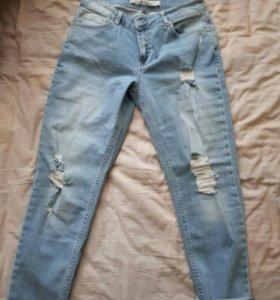Класные джинсы новые