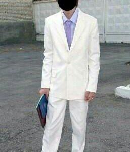 Белый костюм на выпускной / свадьбу