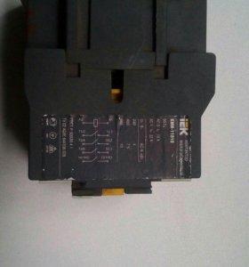 Продам контактор IEK КМИ-11810