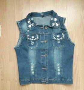Жилетка новая джинса на 42-44 размер