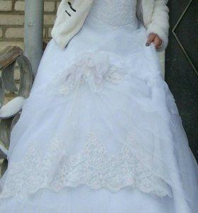 Свадебное платье и сапожки