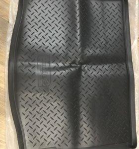 Коврик Фокус 3 Хэтч в багажник