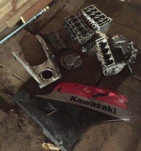 Запчасти от Kawasaki zxr 400