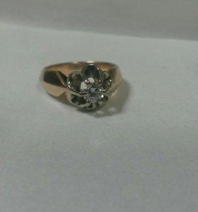 Кольцо с брилиантом 585