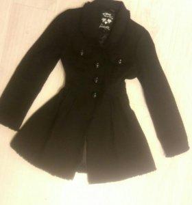 Пальто черное 46-48 рр