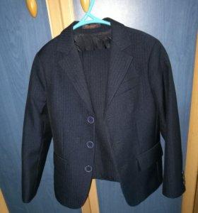 Школьный костюм + 4пары брюк
