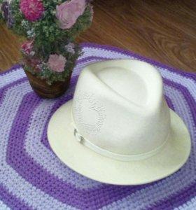 Фетровая шляпка.
