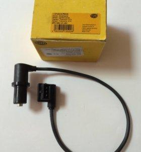 Датчик  распредвала  BMW E-36 Hella 6PU009121-301.