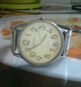 Часы мужские с браслетом