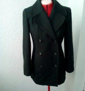 Шерстяное пальто в идеальном состоянии