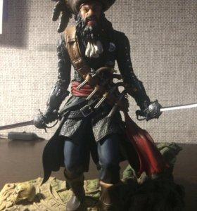 Фигурка Assassin's Creed IV + цифровой код