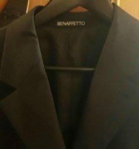 Новый мужской деловой костюм