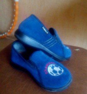 Фирменная обувь р.28