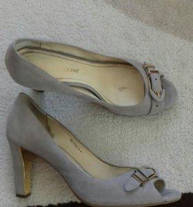 3 пары обуви 41 размера