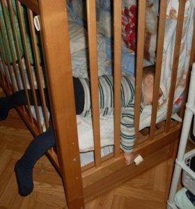 Детская кроватка (подвижная-качалка)
