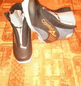 Продаются лыжные ботинки новые