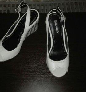 Туфли босоножки - танкерка