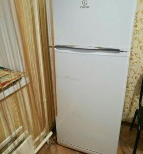 Холодильник Indezit 2 камерный