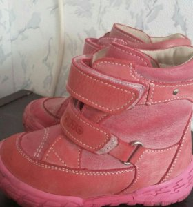Ботинки осенние( коженные)