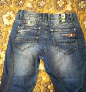 Мужские джинсы