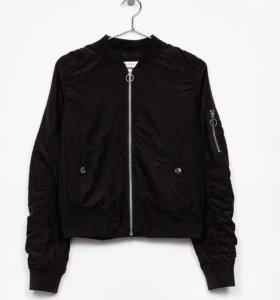 Куртка- бомбер Bershka
