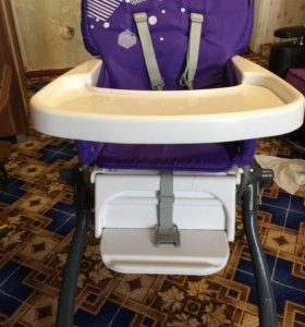 Детский стульчик для кормления ребёнка