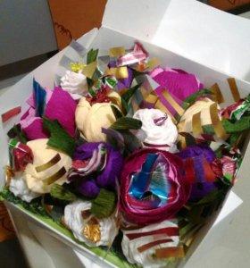 Букет из конфет в коробке ЕЛЕНА