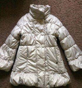 Пальто для девочки 7 лет(122) Oviesse