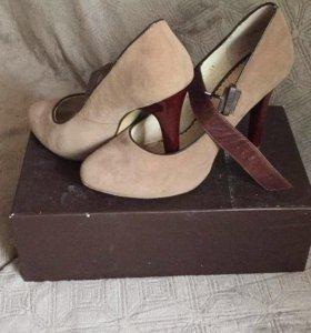Замшевые туфли р. 37