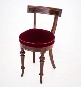 Перетяжка и обивка антикварной и старинной мебели