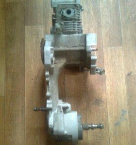 Двигатель от четырёхтактного скутера.