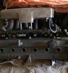Головка блока двигателя в сборе