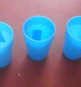 Пластмассовый стаканчик