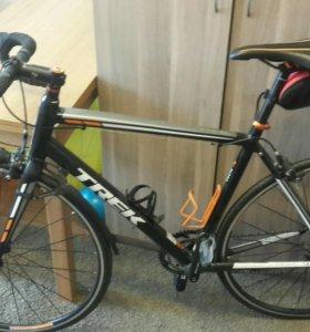 Шоссейный велосипед Trek 1.2 series