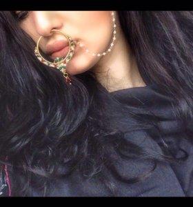 Индийский колечко на нос