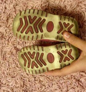 Ботиночки для ребенка (20 размер)