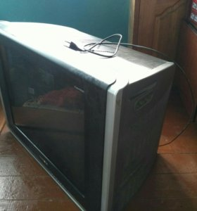 Телевизор, большой Диагональ 69см