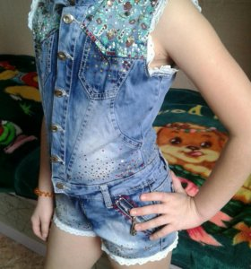 Джинцовый комбинезон, окуртка, джинцы и кофта