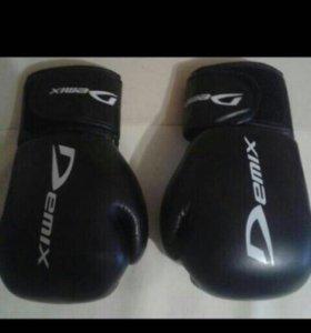 Бокс 🥊 перчатки новые‼️