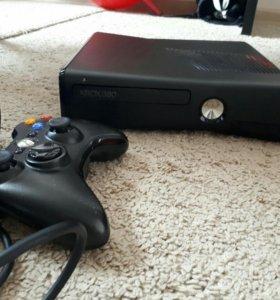 XBOX 360 с игрой и 1 джойстиком