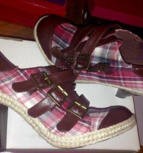 Новые удобные туфли- кеды 38 размер
